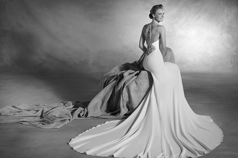 blog-matrimonio_abiti-sposa_white-slip-dress_Pronovias_01