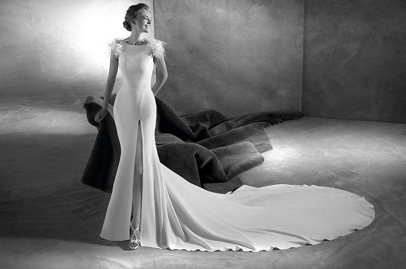 blog-matrimonio_abiti-sposa_white-slip-dress_Pronovias_02