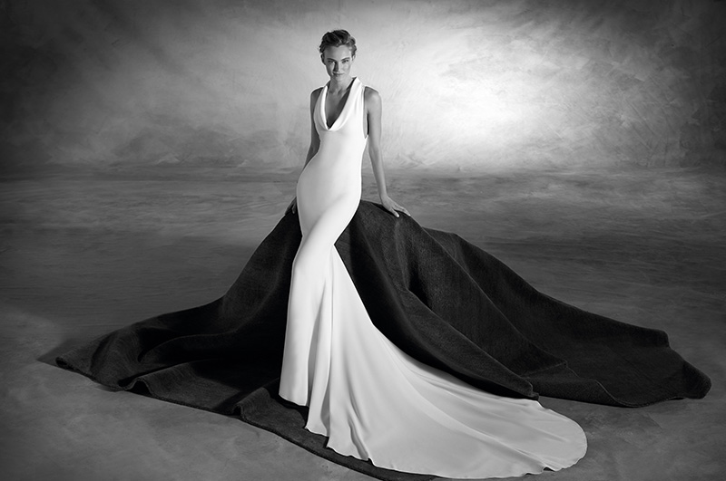 blog-matrimonio_abiti-sposa_white-slip-dress_Pronovias_03