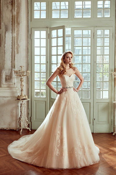 Blog-matrimonio_abiti-sposa-colorati_Nicole_2017