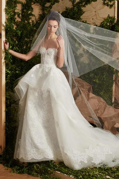 Blog-matrimonio_abiti-sposa-principessa_Carolina-Herrera_02