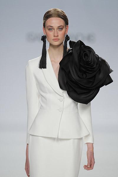 blog-matrimonio_Mia-Sposa-Magazine_Tendenza-abito-sposa-black-white_01
