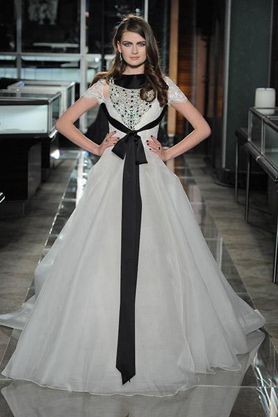 blog-matrimonio_Mia-Sposa-Magazine_Tendenza-abito-sposa-black-white_07