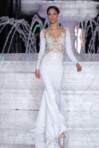 PRONOVIAS-FASHION-SHOW_Roine